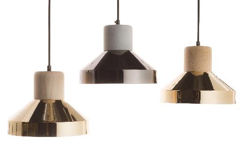 Les luminaires Spécimen Edition Steelwood se déclinent dans des teintes d'or de cuivre, de bois et de béton. Succès garanti.